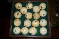 Из чего делают шары в бильярде 143